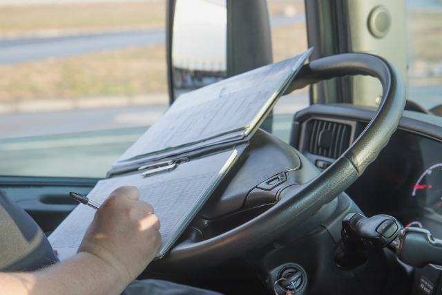 Aprenda a reduzir gastos com multas na sua frota